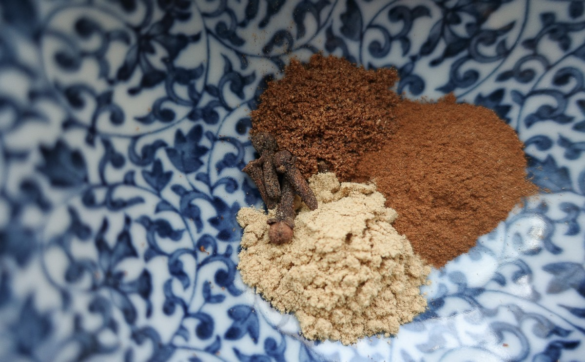 Spices in a bowl_1